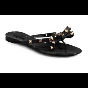 Valentino Rockstar studs bow sandal